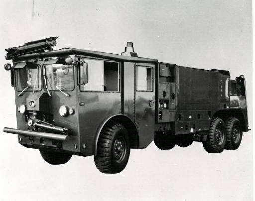P-4_Official_1972_Front.jpg