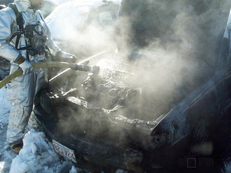 ct_ang_car_fire1.jpg